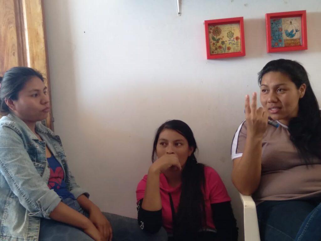 Tejedoras wichí abren tienda virtual de comercio justo con sus artesanías