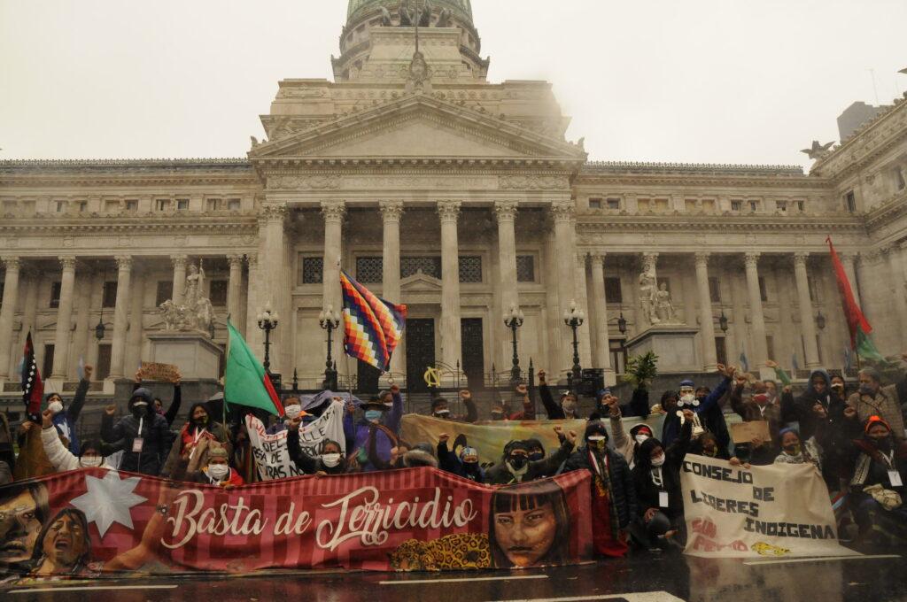 Mujeres indígenas llegaron a Buenos Aires para pedir Basta de Terricidio - Agencia Presentes